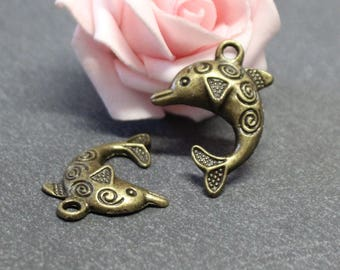antique bronze 31 x 22 mm x 10 metal Dolphin charms