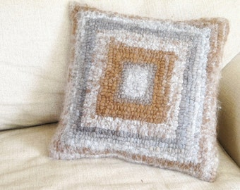 Geometric Variegated Alpaca Chunky Hand Hooked Pillow