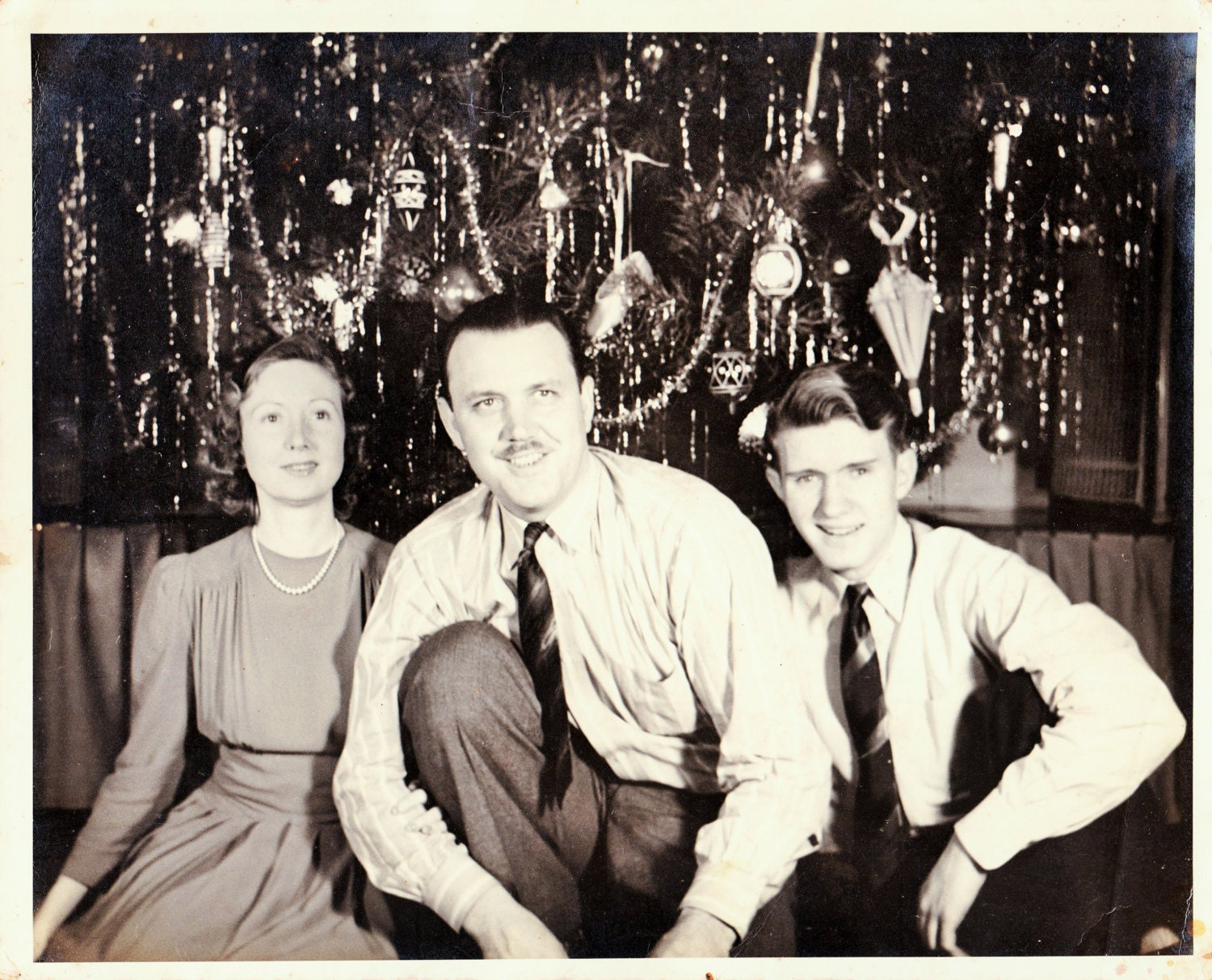 Vintage 50s Photo Family Christmas Tree
