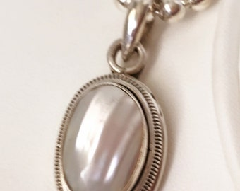 Beautiful Mother of Pearl Sterling Silver Pendant Necklace