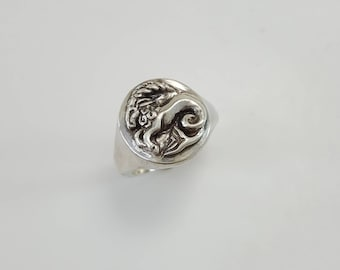 Capricorn Ring in Sterling Silver, silver Capricorn ring, zodiac ring Capricorn, Sea Goat ring, zodiac jewelry, capricorn jewelry