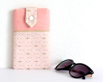 Étui à lunettes ou téléphone, coloris rose pâle, pêche et doré