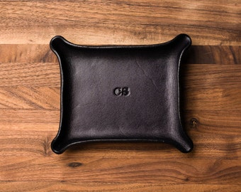 Leather Catchall Small - Black / monogram, valet tray, office organizer, gift for him, house organizer, ring dish, valentines