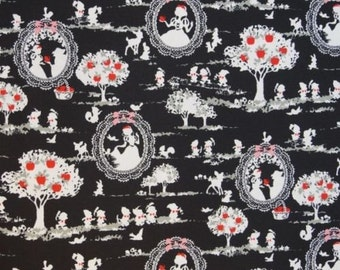 Fat Quarter Snow White and Seven Dwarves 100% Cotton Quilting Fabric