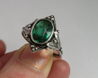 VINTAGE Handmade Sterling SILVER Arts and Crafts RING