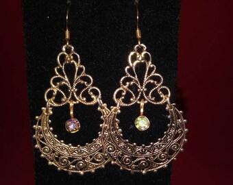 "2.25"" Antiqued Gold Hinged Chandelier"
