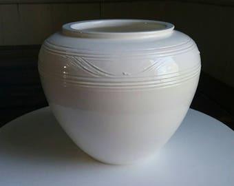 White Porcelain Pot