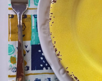 Spring Cloth Napkins, Modern Floral Cloth Napkins, Blue and Yellow Napkins, Spring Dinner Napkins, Everyday Napkins, Mothers Day Napkins