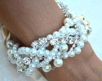 Pearl and Crystal Wedding Bracelet, Bridal Bracelet Set, Bracelet & Earrings Set, Chunky Wedding Bracelet Set, Bridal Bracelet