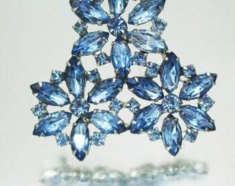 Wunderschöne 3 Blume Strass Pin Brosche blau