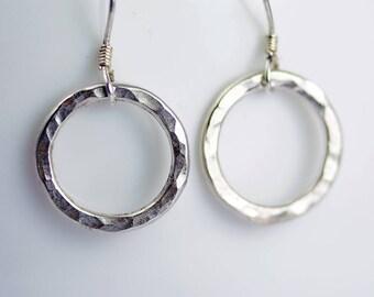 Silver Circle Earrings - Sterling Silver Dangle Earrings - Everyday Earrings - Silver Drop Earrings Gift Earrings Geometric Jewelry - E3008
