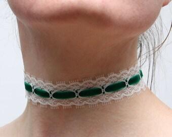 "Neckband ""Green lace"""