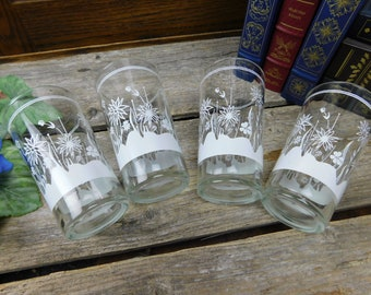 Set of 4 Vintage Abstract White Flower and Grass Pattern Glasses