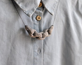 Knitted Chain Link Necklace - Grey