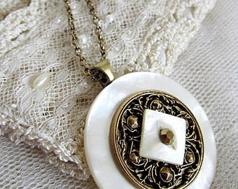 Shell Button Necklace, Vintage Brass & Shell Button Necklace, Button Pendant, Antique Button Jewelry, Vintage Button Necklaces, Old Buttons