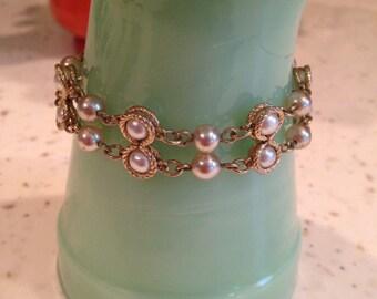 Vintage Signed Godette NY Faux Pearl & Gold Tone Bracelet