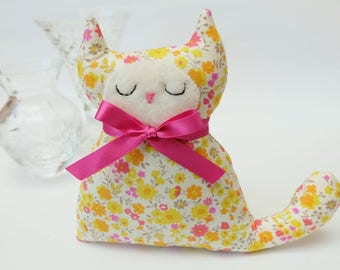 Cat Lavender Sachet, Yellow and Pink Sprig Floral Fabric Cat Lavender Bag, Gift for Cat Lovers