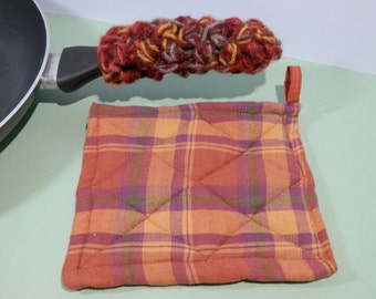 2 Piece Set Tartan Plaid Quilted Potholder Hot Pad & Crochet Cast Iron Pan Handle Cover Rustic Skillet Holder Earth Tone Color Handmade Gift