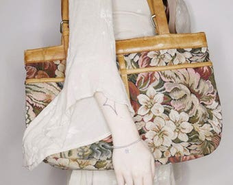 70s 80s Cute lil floral tapestry leather tote m/l size