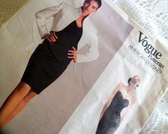 Vintage Vogue Sewing Pattern. Vogue Patterns American Designer 2050 designed by Calvin Klein. Sizes 6/8/10.