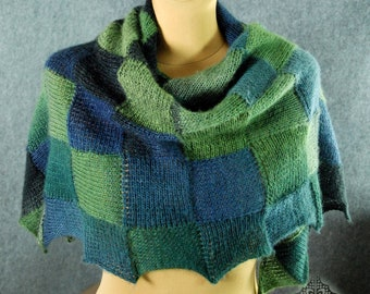 Hand knit triangle scarf, Knitted shawl, Hand knitted shawl, Hand knit shawl, Chunky knit scarf, Knit shawl handmade, Mothers day gift