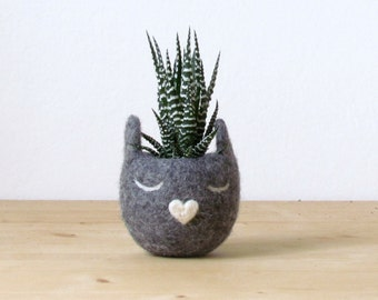 Cat lover gift | Grey cat, mother day, Gift for her, Succulent planter, Felt planter, Cat head planter, Small succulent pot