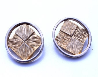 Bobley Gold Textured Earrings