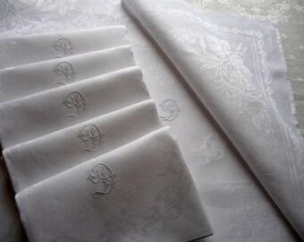 French linen napkins /6 white linen napkins/white table napkins/monogrammed linen /impeccable condition/damask linen/damask serviettes