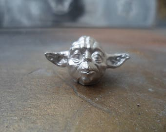 Metal button-bead Yoda, Star Wars