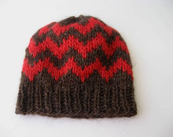 ICELANDIC Lopi Wool Chunky Hand Knit Beanie Ski Hat in BROWN RED/ Classic Icelandic pattern knit hat