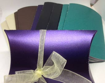 10 Pearlized pillow boxes in assorted pearlized colours