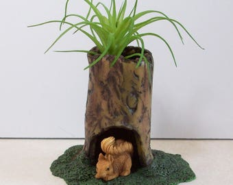 Miniature tree stump and mini squirrel: Fairy garden or terrariums Polymer clay rustic tree stump