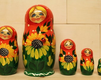 Sale Sale Nesting Dolls Matryoshka nesting dolls with Sunflowers ser of 5