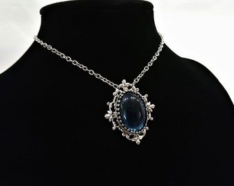 Elegant Montana Sapphire Glass Stone Silver Plated Filigree Necklace