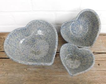 Vintage Spongeware Stoneware Heart Nesting Bowls, Farmhouse Kitchen, Speckled Nesting Bowls