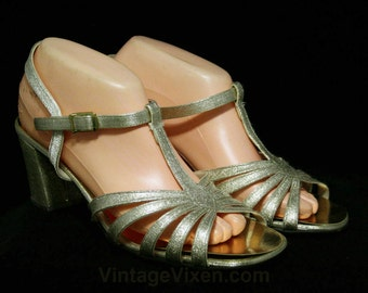 Size 9.5 Sparkling Gold Sandals - Glam 1960s Metallic Shoes - 60s Open Toe T Strap Pump - Evening - NOS Deadstock - 9 1/2 M - 44531-22