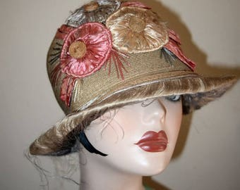 Vintage 1920's  Straw and Floral Cloche Bucket Hat