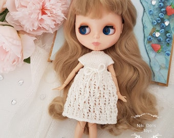 Knitted dress for Blythe by NikiDollToys