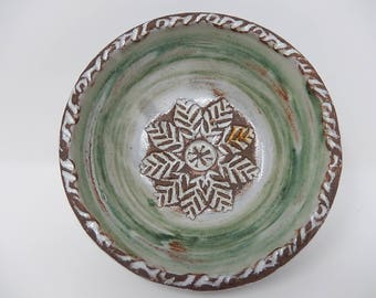 Old Ceramist plate signed Thiry, free delivery!