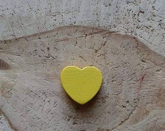 Yellow heart wood bead