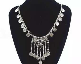 Chloe necklace