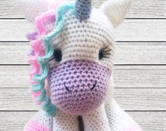Unicorn Crochet Pattern - Crochet your very own cuddly unicorn!