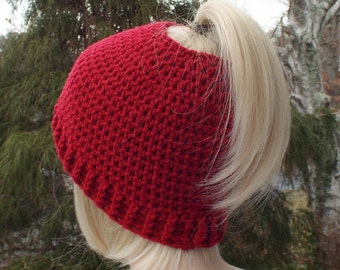 Womens Messy Bun Hat, Cranberry Red Crochet Hat, Ponytail Beanie, Winter Hat, Ski Hat, Winter Accessories, Messy Bun Beanie