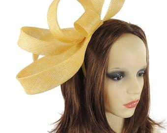 Gelbe Kate Fascinator Hut für Hochzeiten, Anlässe und Partys mit Stirnband