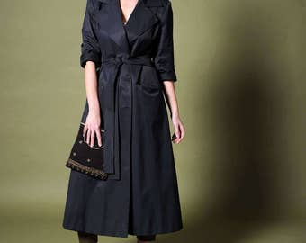 Women's trench Double breasted coat Trench coat Black trench Vintage trench Maxi jacket Rain coat Women's jacket Size 8 coat Lined trench