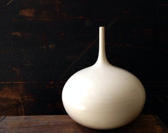 MADE TO ORDER- 1 large rotund bottle vase in white matte by sara paloma. ceramic pottery vases bud vase