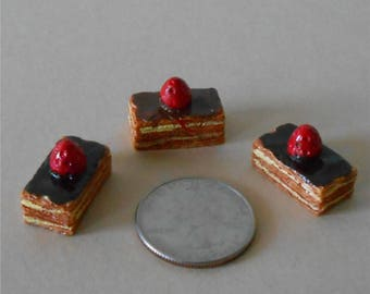 Set of 3,Miniature Cakes, Miniature Cake, Layer Cake with Chocolate Icining and Cherry, Dollhouse Miniature Cake