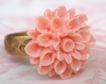Simply Petite Light Pink Chrysanthemum Adjustable Ring