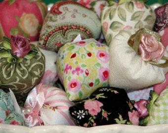 Classic Elegance Strawberry Lavender Sachets Set of 50 Miniature Thumbellina Sachets