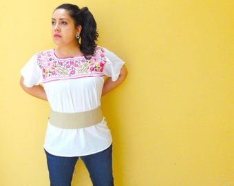 White Mexican Blouse, Mexican Embroidered Blouse, Peasant Blouse, Traditional Embroidered Top, Tunic Mexican, Mexican Blouse Women